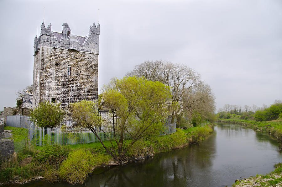claregalway-castle-galway-ireland-bill-cannon.jpg