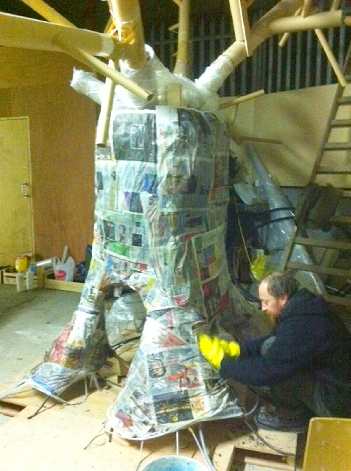 Community Volunteers Build Patrick S Day Float For Nature