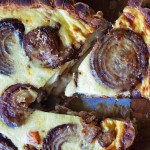 Móna's Red Onion & Goats Cheese Quiche