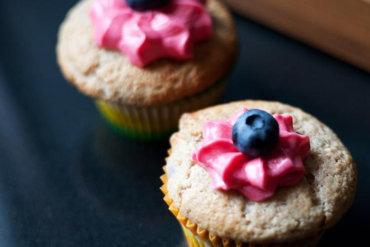 Bluberry-lemon-breakfast-muffins-3