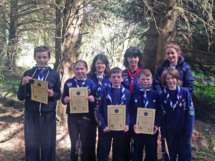 Recipients of the Cub Chief Scout Award were Ethan Kaya, Emer Lenihan, Enda Lawless, Oisin Tobin and Josh Buckley with Gillian Buckley, Group Leader, Chris Roche, County Commissioner and Rionach Timon, Cub Section Leader.