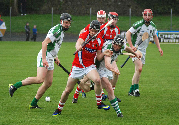 Carnmore do battle with Sarsfields at the Opening Game of the Championship on 26th March in Kenny Park, Athenry. The game ended in a draw. Full match report below.