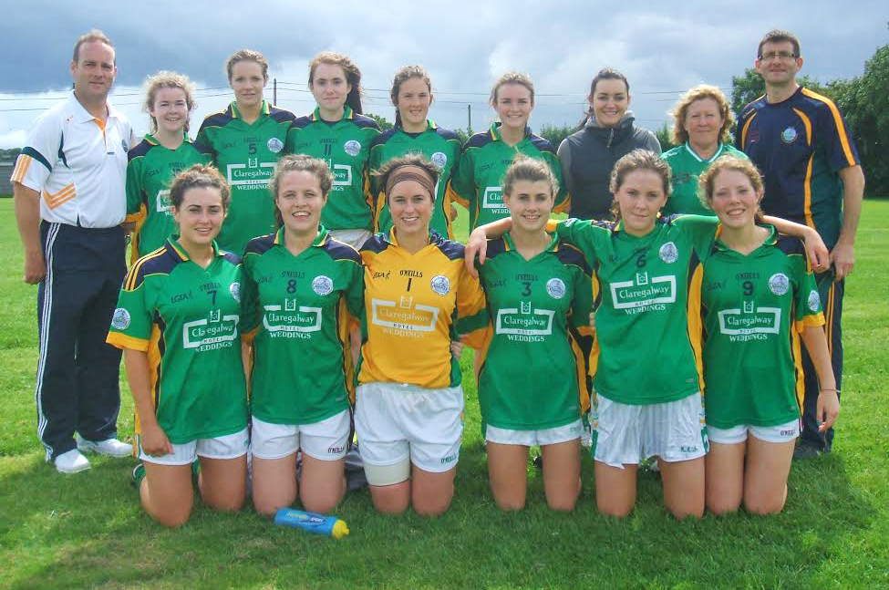 Congratulations to the winning Comórtas team—Back row: Martin Costelloe, Aisling Murphy, Siobhan Gavin, Rebecca Downes, Aoife Gavin, Orla Murphy, Ciara Newell, Maura Murphy, Marty Dowd. Front Row: Charolette Cooney, Ciara Burke, Fabienne Cooney, Karen Dowd, Eimile Gavin, Ruth Horkan.