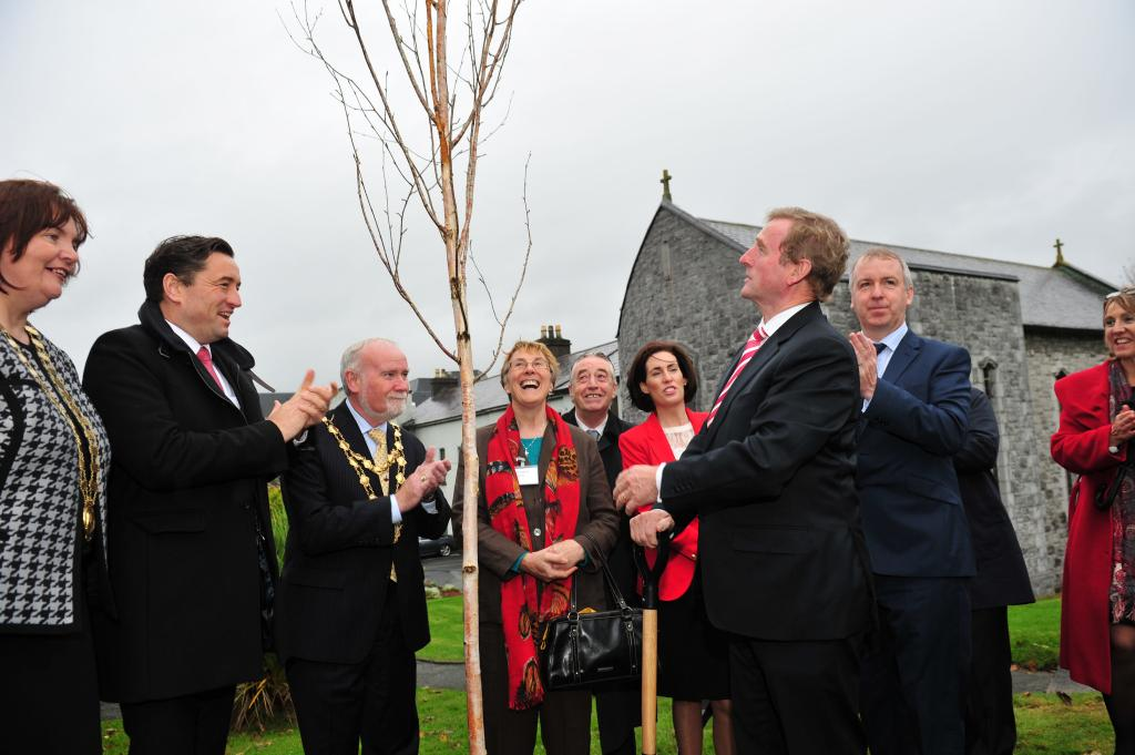An Taoiseach Enda Kenny launches the development plans for COPE Galway's new Domestic Violence refuge at Forster Street, Galway. Photo via @cwsbocoirl on Twitter.
