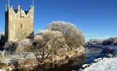 Seasonal Delights as Claregalway Castle Hosts Christmas Fair