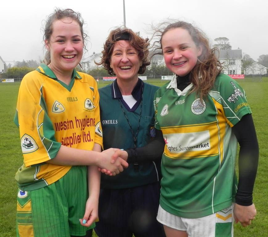 Corofin Captain, Referee and Andrea Trill, Claregalway Captain at the Semi Final.