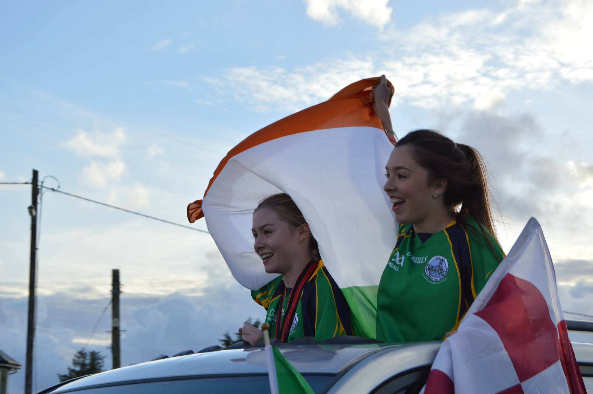 Niamh and her sister Michelle at the homecoming.
